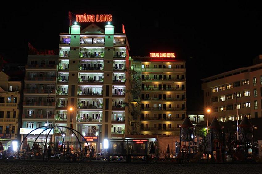 Khách sạn Thăng Long về đêm
