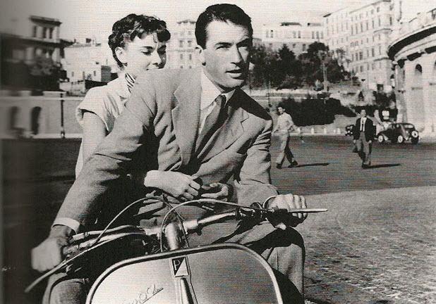 motos-miticas-cine-vespa-125-vacaciones-en-romajpg