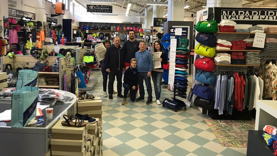 4b3385661d77 Kronos Sport - Negozio Di Abbigliamento Sportivo a Pisa