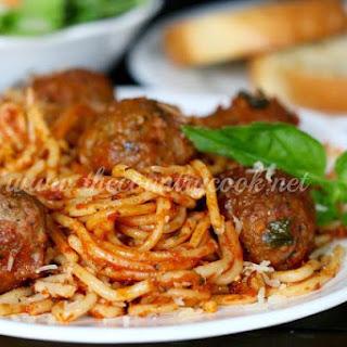 Crock Pot Spaghetti & Meatballs {All-in-One}.