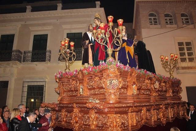 Paso de misterio de la Vuelta del Sepulcro, Hermandad de la Soledad, camino de la Catedral.