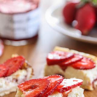 Strawberry Greek Yogurt Cheesecake Squares Recipe