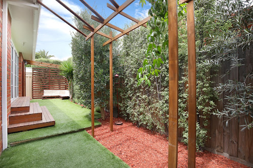 Photo of property at 2/24 Field Street, Bentleigh 3204