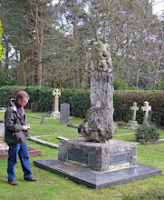 Photo: American author David Quammen at Wallace's grave in 2008. Copyright of photo: G. W. Beccaloni