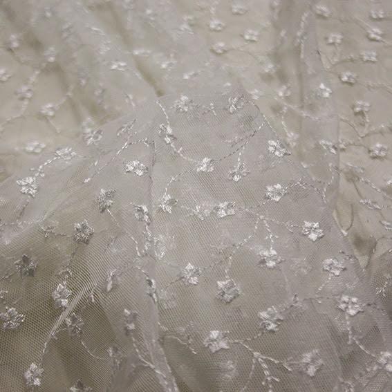 Småblommig Spets - off white