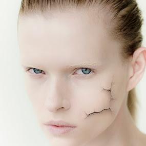 Model by Rouslan Podroutchniak - People Fine Art