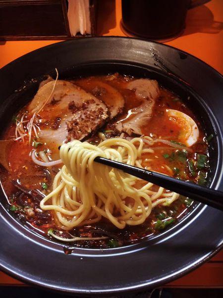 台北板橋車站《樂麵屋》人氣高的排隊美食~濃厚的日本味拉麵