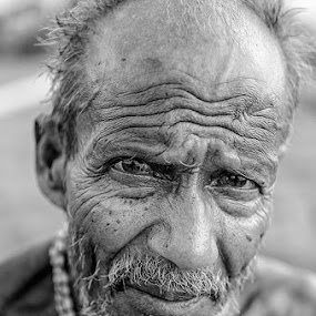 The old man by Arijit Acharya - People Street & Candids