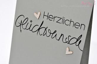 Photo: http://bettys-crafts.blogspot.com/2015/08/herzlichen-gluckwunsch-die-vierte.html