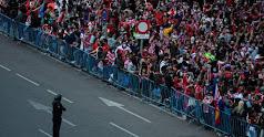 Los seguidores del Atlético celebrando el título.