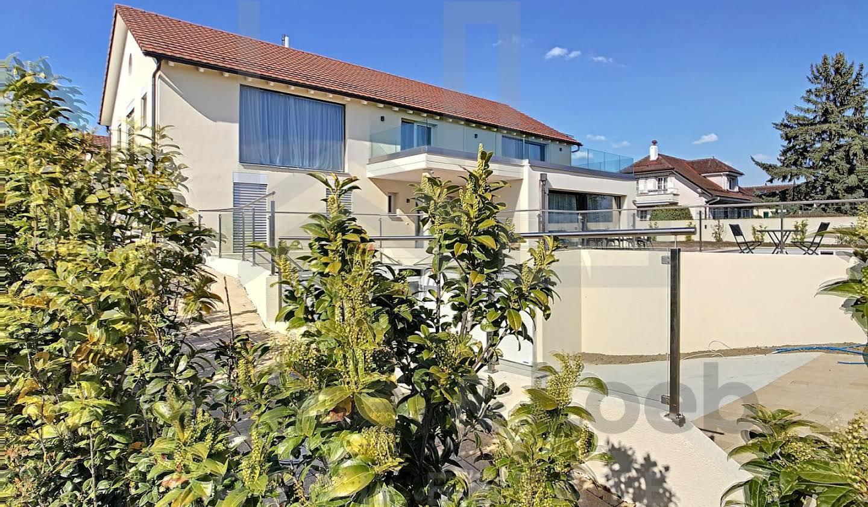 Maison avec terrasse Perroy