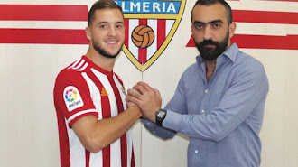El nuevo jugador rojiblanco con Mohamed El Assy.