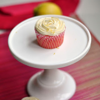 Pink Lemonade Cupcakes With Lemon Cream Cheese Frosting