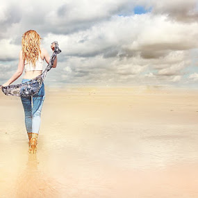 Model: Migle CandyBull Island by Ioan G Hiliuta - People Fashion (  )