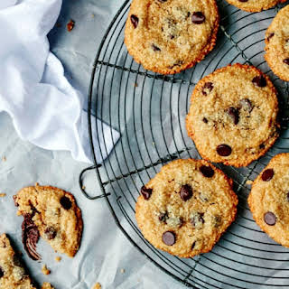 Paleo Chocolate Chip Cookie s.