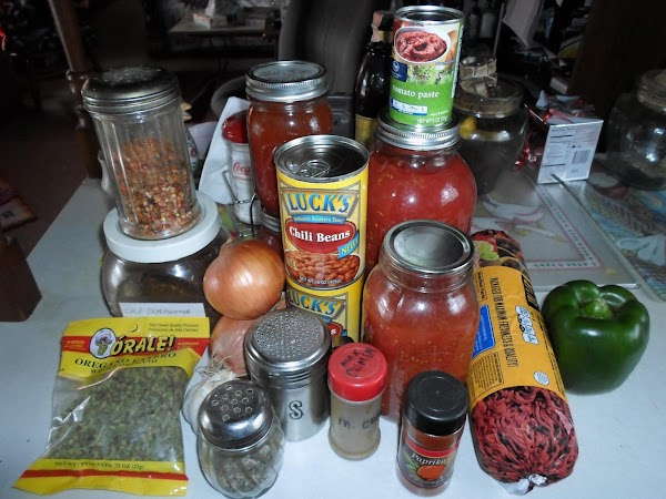 Lets get your ingredients read for the cooking of this chili...