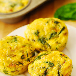 Breakfast Egg Muffins with Bacon and Spinach.