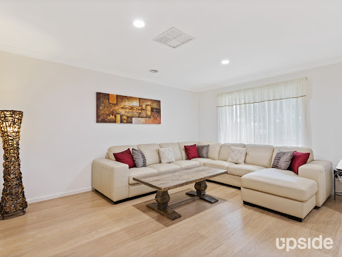 Photo of property at 7 Davies Avenue, Brookfield 3338