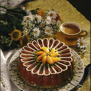 Apricot Daisy Cake