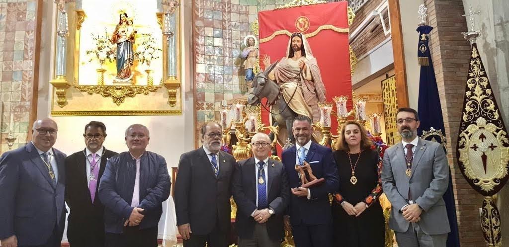 De Salas acompaña a Francisco Javier Barea en su pregón del costalero