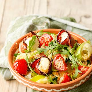Couscous-Salat mit gebratenem Fetakäse