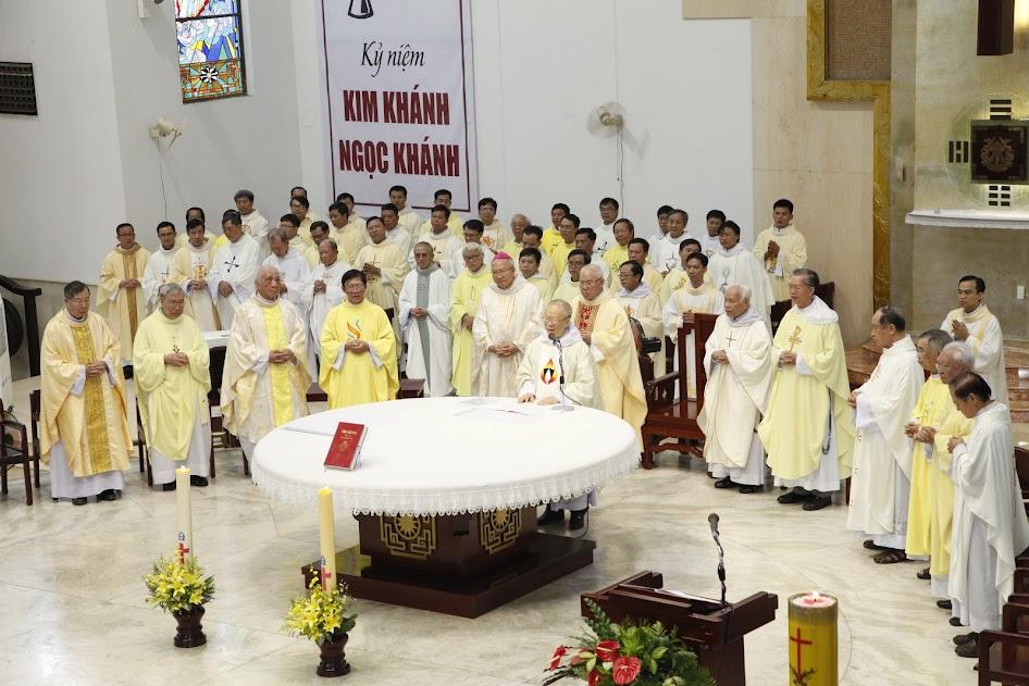 Thánh lễ Tạ ơn Ngọc khánh và Kim khánh linh mục