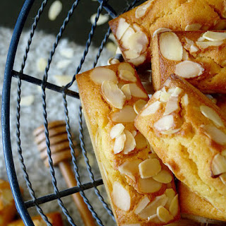 Mini Almond Honey Cakes Recipe