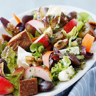 Winterlicher Salat mit Camembert