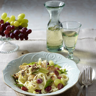 Linguine With Chicken And Grapes.