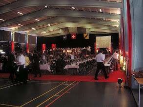 Photo: Schöne geschmückte Halle. Vortrag vom Armeespiel