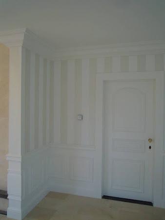 Binnen- en buitenschilderwerken Binkom - Na: sierlijsten deuren plaatsen, schilderen deur, te Binkom