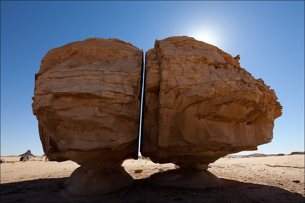 A pedra dividida de Al Naslaa