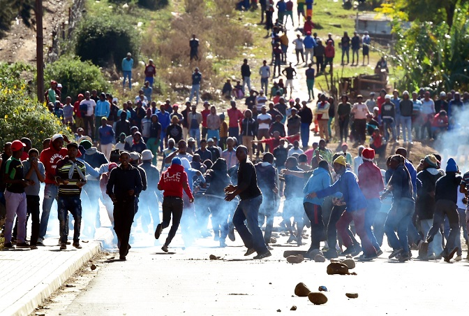 Protesters blocked the entrance to the Moses Mabhida township in Kirkwood.