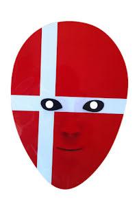 Pappmask, danska flaggan