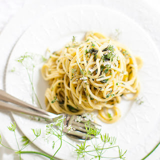 PASTA WITH FRESH HERBS AND BLOSSOMS