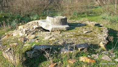 Photo: Kargıcak Köyü'ne 2 Km. mesafede ki su kuyusu. - Milas Karya(Karia) Yolu 7. Etabı - 29.11.2014