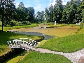Photo: Švėkšnos dvaro parkas su deivės Dianos statula. Čia valgėm sočius pietus už du eurus!