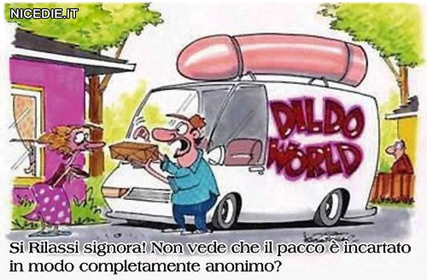 """Un camion con sul tetto un enorme pene e sul fianco la scritta """"dildo world"""" il corriere consegna un pacco ad una signora disperata"""