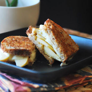 Mozzarella Apple Panini
