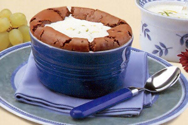 Suflê de Chocolate com Creme de Baunilha