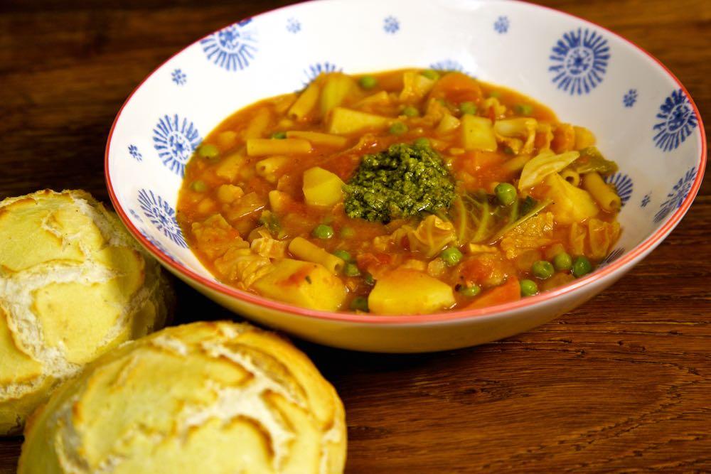 recipe: simple minestrone soup [36]