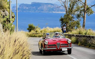 Alfa Romeo Spider 2000 Touring Rent Central Region