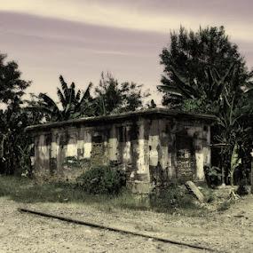 Yang tersisa dari Stasiun KA by Supri Yanto - Buildings & Architecture Public & Historical