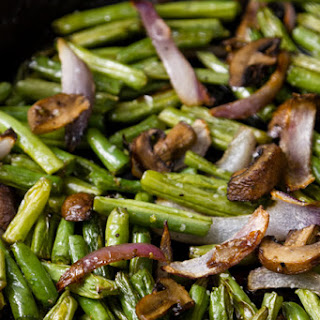 Easy Roasted Green Beans with Mushrooms and Onions Recipe
