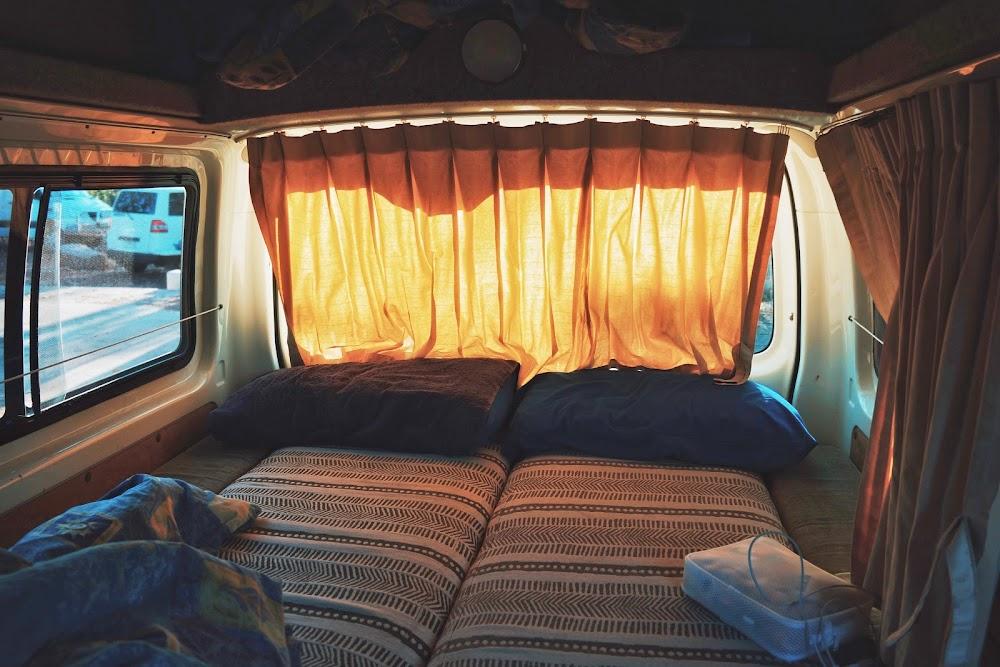 tidur di campervan