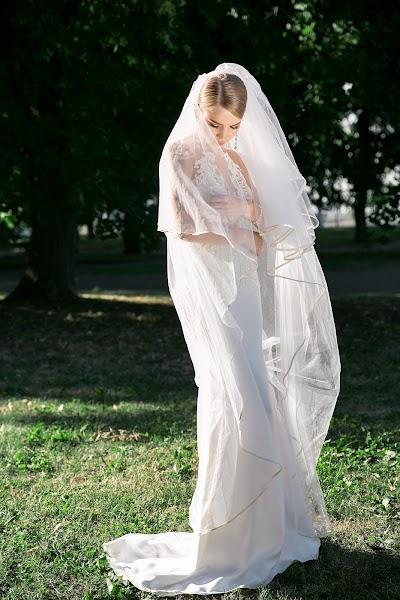 Wedding photographer Alevtina Ozolena (Ozolena). Photo of 27.01.2019