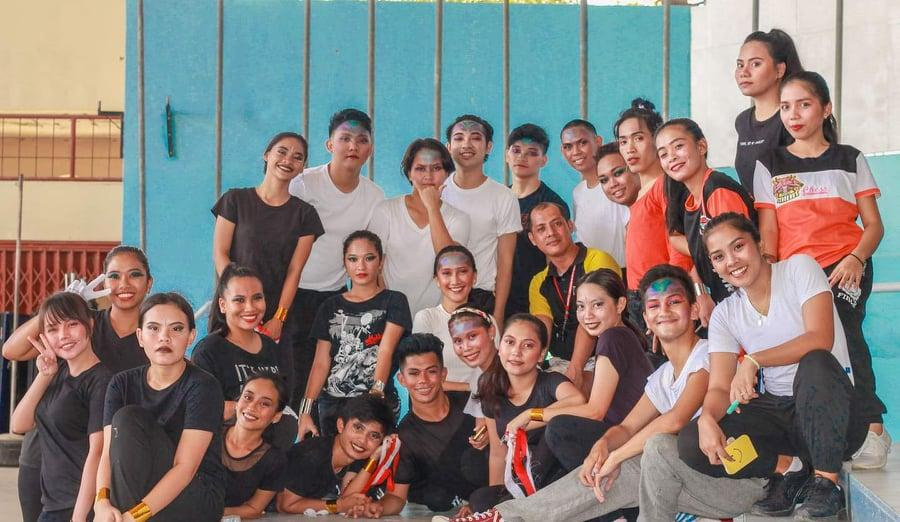 CAED students participate in the foundation of the dance subject's final activity.