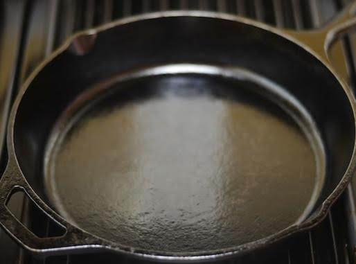 A Well Seasoned Pan Looks Pretty Much Like This -- But Having Found This On The Internet It Is Almost Too Perfect (lol) But It Is That Gloss That Makes It Non-stick