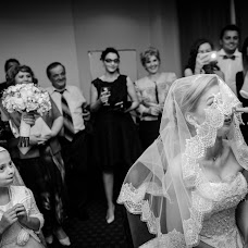 Wedding photographer Adina Dumitrescu (adinadumitresc). Photo of 09.02.2016