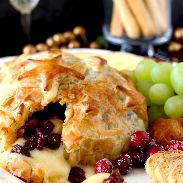 Brie and Cranberries Baked in Puff Pastry Recipe